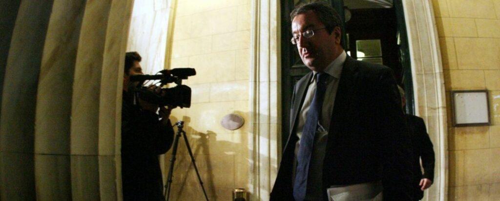 Μόσιαλος: Στάση αναμονής - Εύλογες οι ανησυχίες όσων εμβολιάστηκαν με AstraZeneca - Media